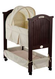 Bassinet with solid footboard